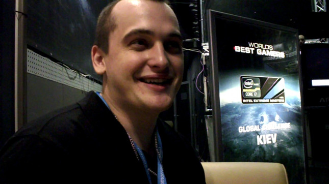 """StarCraft II pro disqualified for """"rape"""" tweet aimed at female opponent"""