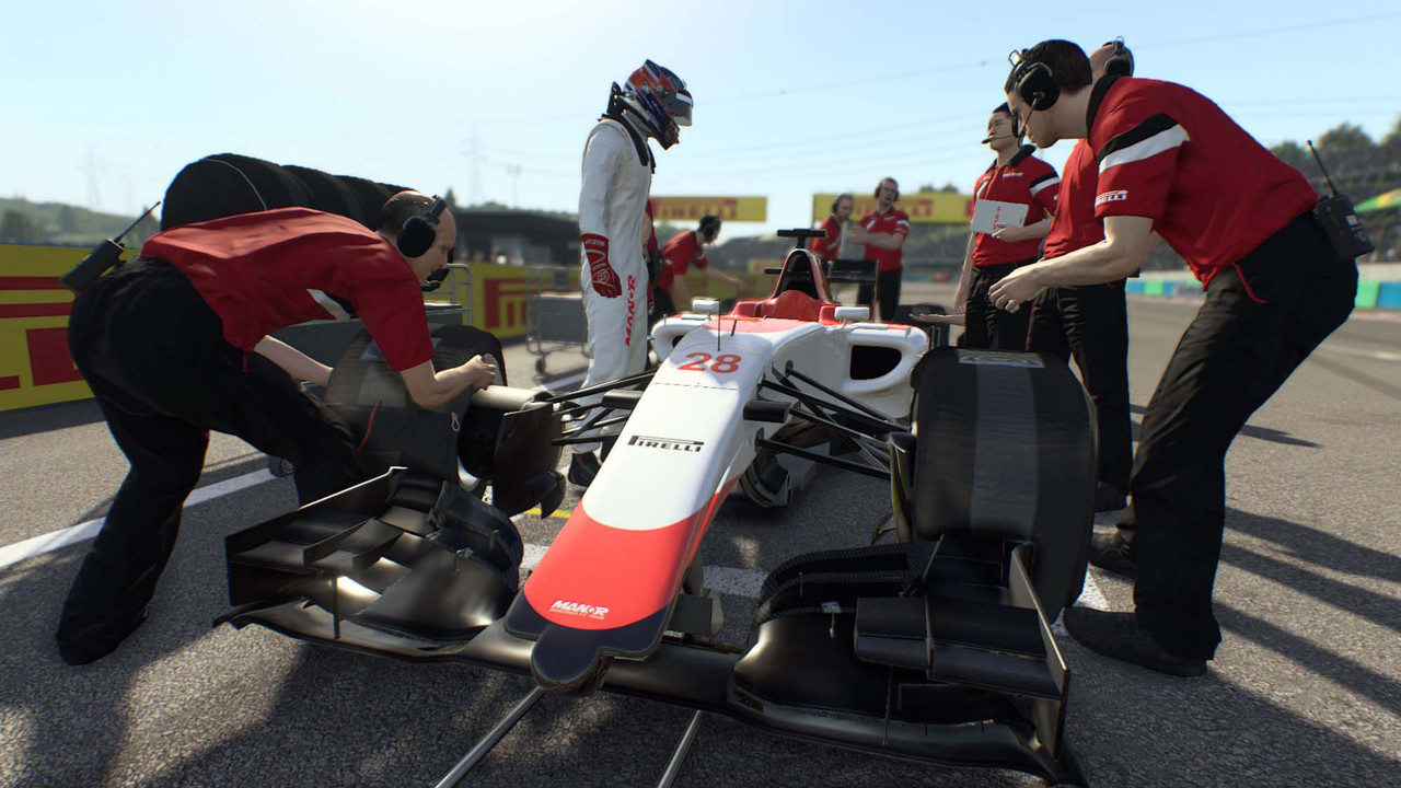 F1 2015 rolls in underweight and with technical issues